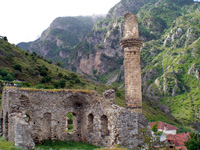 Ruins of the Sultan Suleyman Mosque at Konitsa (Photo: Robert Elsie, May 2007)